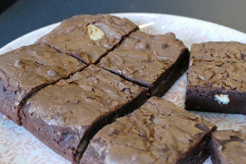 Brownies met witte chocolade en walnoten