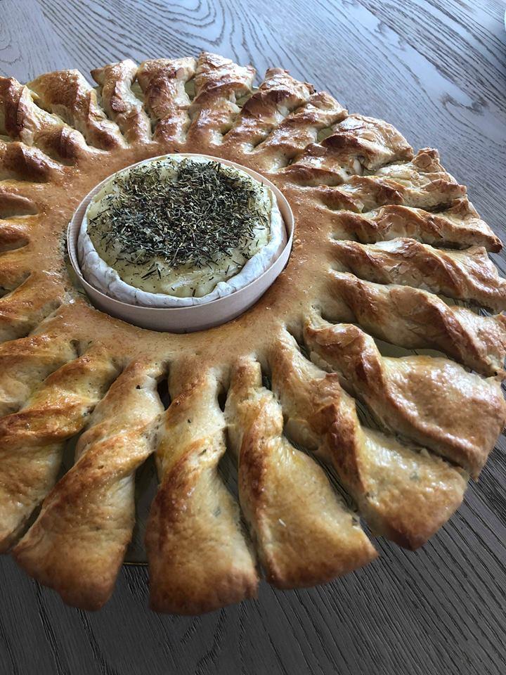 Broodzon met gesmolten camembert