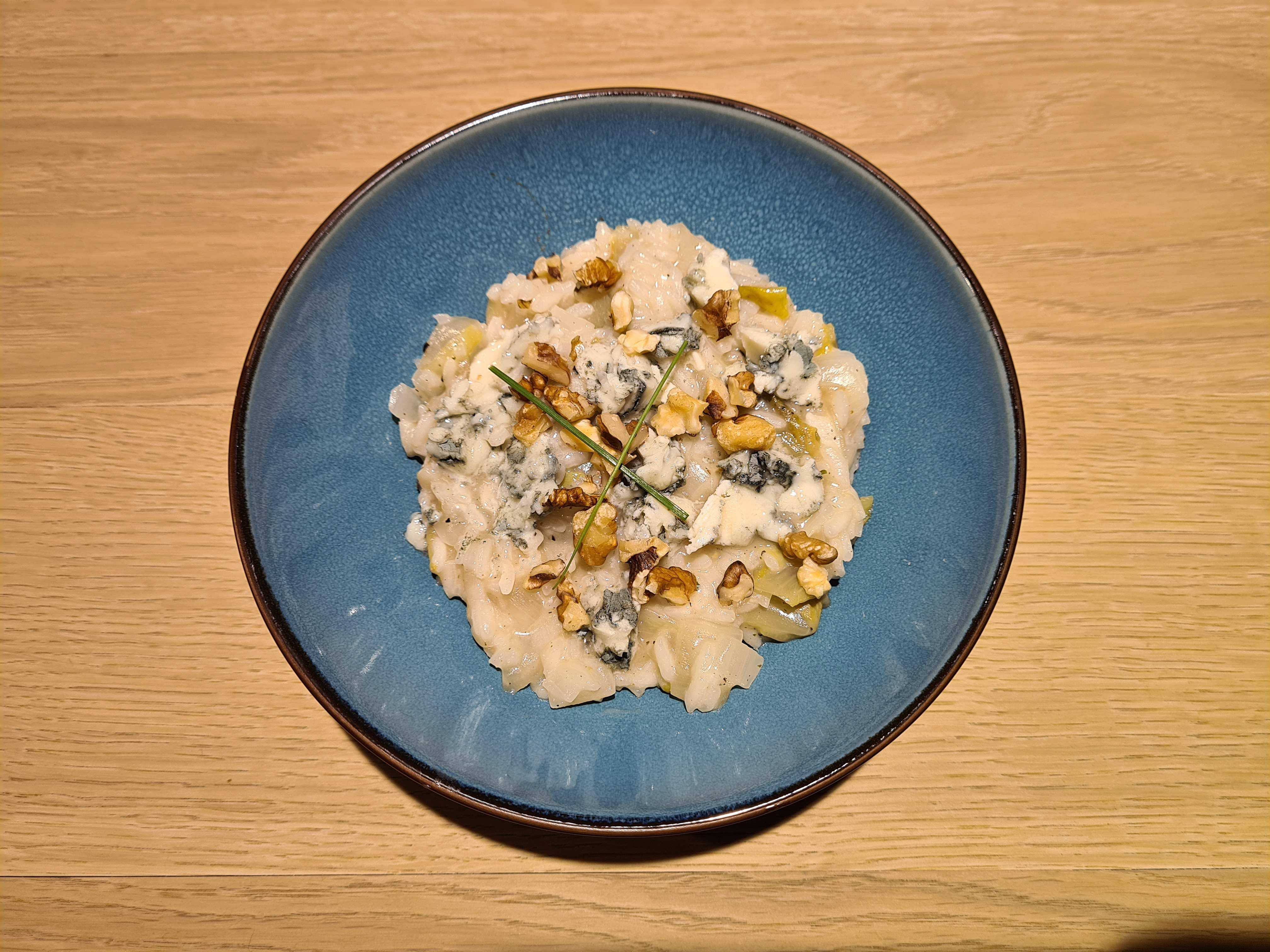 Risotto met witloof, Roquefort en walnoten